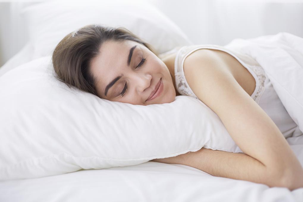 18_Ein_gutes_Kissen_ist_wichtig_f_r_einen_gesunden_Schlaf.png